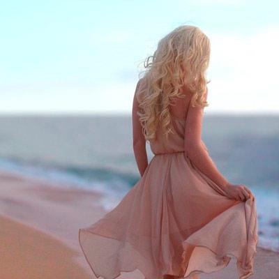 Фото для аватара - Блондинка на море